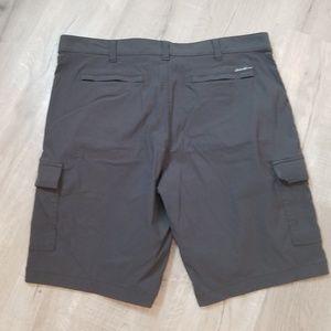 Eddie Bauer Shorts - men's Eddie Bauer TRAVEX cargo shorts 42